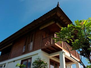 Serene Teak House in Ubud, the Heart of Bali - Ubud vacation rentals