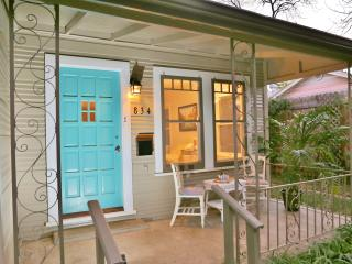 4BR-BY RIVER-Close to DOWNTOWN-NEW-WALK TO SITES! - San Antonio vacation rentals