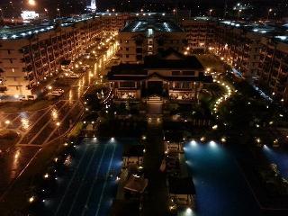 2 BR Amazing View Rhapsody Resort Condo - Muntinlupa vacation rentals