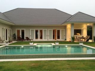 Thailand most beautiful Holiday House, beach, golf - Hua Hin vacation rentals