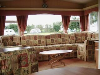2 bedroom House with Internet Access in Diss - Diss vacation rentals