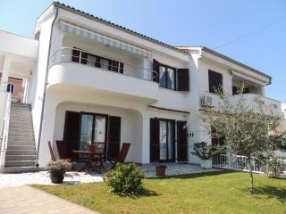 1 bedroom Apartment with Balcony in Malinska - Malinska vacation rentals
