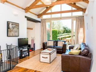 Perfect Barn with Kettle and Freezer - Fowey vacation rentals