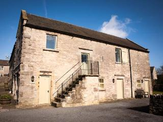 REDHURST COTTAGE, part of the Chatsworth Estate, pet-friendly, woodburner in Wetton Ref 17465 - Wetton vacation rentals