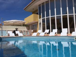 Albufeira Town Private Villa in a Peaceful Locatio - Albufeira vacation rentals