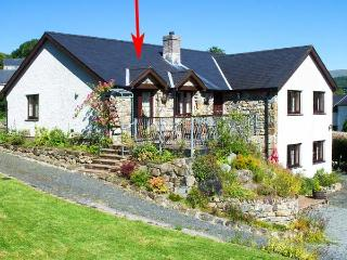 LLETY'R BUGAIL, family friendly, country holiday cottage, with a garden in Dolgellau, Ref 3570 - Dolgellau vacation rentals