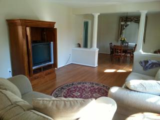 Convenient 3 bedroom House in Olney - Olney vacation rentals