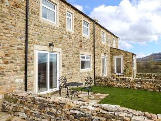 ZOEY COTTAGE, flexible sleeping arrangements, open fire, enclosed garden, walks from the door, near Skipton, Ref. 913342 - Skipton vacation rentals