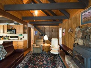 3BR + Loft Chalet, Walk to Heavenly Resort & the Best of Tahoe - South Lake Tahoe vacation rentals