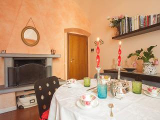 Comfortable 1 bedroom Bergamo Apartment with Internet Access - Bergamo vacation rentals