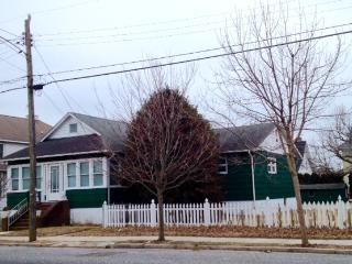 286 Windsor Ave #2 Rear Bedroom-Shared House 117047 - Cape May vacation rentals