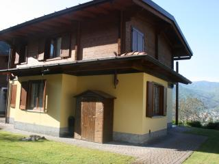 4 bedroom Chalet with Dishwasher in Castiglione d'Intelvi - Castiglione d'Intelvi vacation rentals