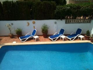 MAGNIFICO ADOSADO CON PISCINA PRIVADA - Valencian Country vacation rentals