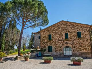 Tuscan countryhouse apartment in San Gimignano - San Gimignano vacation rentals