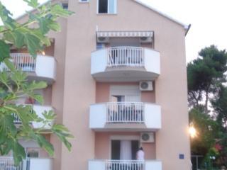 Nice 1 bedroom House in Sveti Filip i Jakov - Sveti Filip i Jakov vacation rentals