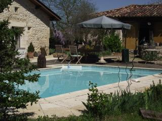Nice House with Internet Access and Satellite Or Cable TV - Saint-Seurin-de-Prats vacation rentals