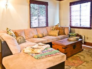 Chic & Comfortable Burbank Bungalow - Burbank vacation rentals