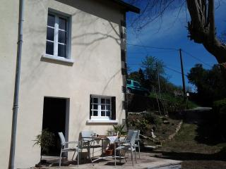 Stone cottage overlooking medieval  town sleep 2/4 - Eymoutiers vacation rentals