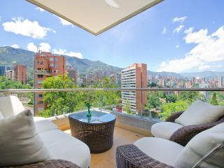 Triangle 701 Top modern great vista - Medellin vacation rentals