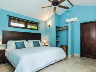 Beautiful 2 bedroom Condo in Sandy Bay - Sandy Bay vacation rentals