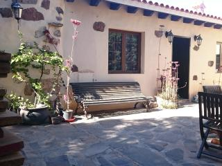 Lovely 2 bedroom Fuerteventura Apartment with Internet Access - Fuerteventura vacation rentals