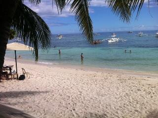 David's Apartment - near Alona Beach, Panglao Isla - Tawala vacation rentals