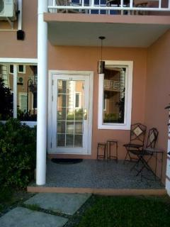 Lovely Townhouse with Garden and A/C - Bon Accord vacation rentals