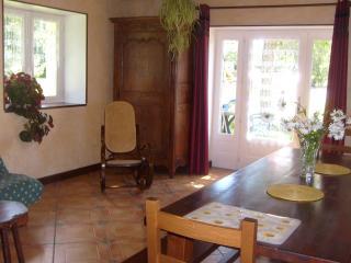 Cozy 3 bedroom Manzat Gite with Internet Access - Manzat vacation rentals