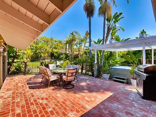 20% OFF OPEN DEC DATES –Large Yard, Walk to Beach, Private Hot Tub - San Clemente vacation rentals