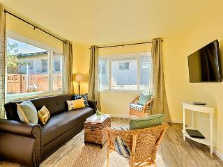 15% OFF APRIL -Steps to Windansea Beach- private deck and shared hot tub! - La Jolla vacation rentals