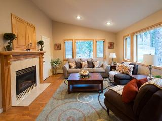 4BR Professionally Decorated Mountain Retreat, Private Hot Tub, Home Theatre - South Lake Tahoe vacation rentals