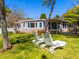 MERCM - CENTRAL KATAMA LOCATION, BIKE TO BEACH OR TOWN, LARGE, PRIVATE BACKYARD, Central A/C - Edgartown vacation rentals