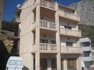 beautiful apartment for 3 people - Omis vacation rentals