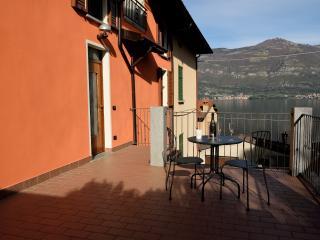 Emma's Apartment - Lezzeno vacation rentals