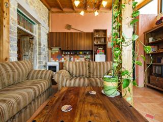 Comfortable 2 bedroom Cottage in Neapoli - Neapoli vacation rentals
