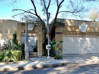 Hollywd/Los Feliz Upscale stylish Apt+terrace+view - Los Angeles vacation rentals
