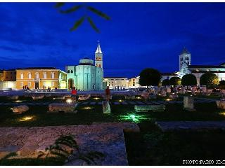 ZADAR CENTRE EXCELLENT PLACE FOR 4+1 WITH PARKING - Zadar vacation rentals