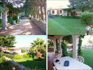 Little villa, 30m from the beach - Cannigione vacation rentals