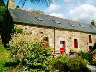 Mimosa Lodge a Beautiful 5-Bedroom 15C Cottage - ALL Amenities Included! - Langonnet vacation rentals