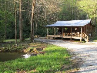 Romantic 1 bedroom Cottage in Robbinsville - Robbinsville vacation rentals