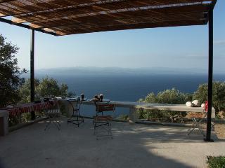 AFEILIANES STONE HOUSES - LES MAISONS D AFEILIANES - Platania vacation rentals