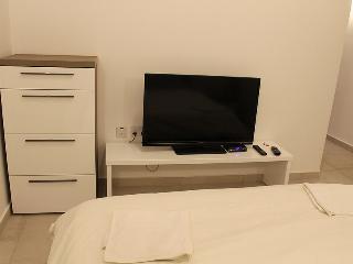 Double Room with A/C & En Suite L2A - Sliema vacation rentals