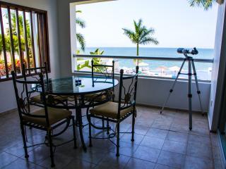 Bucerias Beachfront Condo Colibri - Bucerias vacation rentals