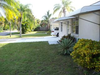 COZY HOUSE in south VENICE, FL  2bed/1+bth - Englewood vacation rentals