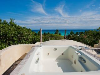 Beach penthouse #12 Fantastic Location - Playa del Carmen vacation rentals