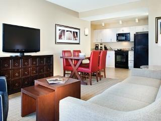 Beautiful Condo with Internet Access and Dishwasher - Newport vacation rentals