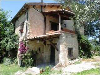 A COUNTRY FARMHOUSE DATING BACK TO 18TH CENTURY - Poggio Catino vacation rentals