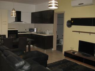 Modern 2 Bedroom Wifi & A/C - Saint Paul's Bay vacation rentals