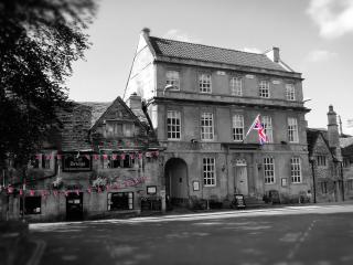Georgian Lodge historic apartment - Bradford-on-Avon vacation rentals