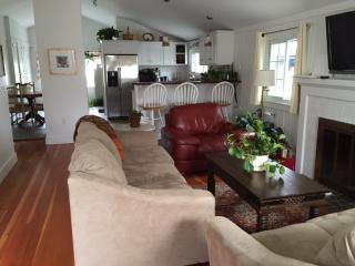 Maine: Falmouth Foreside Cottage near Town Landing - Falmouth vacation rentals